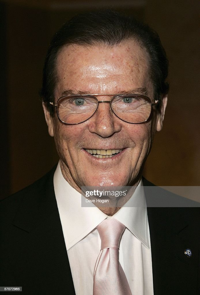 Actor <a gi-track='captionPersonalityLinkClicked' href=/galleries/search?phrase=Roger+Moore+-+Actor&family=editorial&specificpeople=160468 ng-click='$event.stopPropagation()'>Roger Moore</a> arrives at the Sony Ericsson Empire Film Awards 2006, the annual awards show voted for by the public, at the Hilton London Metropole on March 13, 2006 in London, England.
