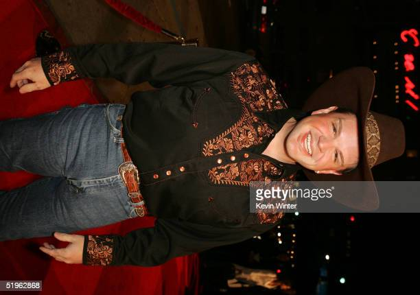 Actor Ron Lester arrives at the premiere of Paramounts' 'Coach Carter' at the Chinese Theater on January 13 2005 in Los Angeles California