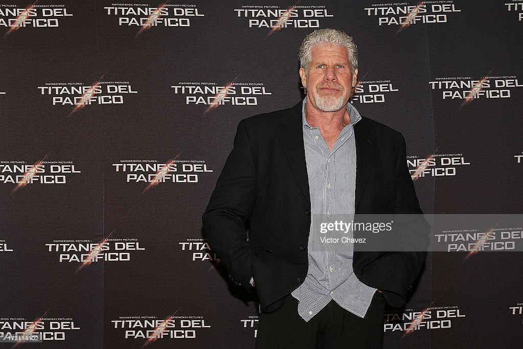 Actor <a gi-track='captionPersonalityLinkClicked' href=/galleries/search?phrase=Ron+Perlman+-+Actor&family=editorial&specificpeople=208159 ng-click='$event.stopPropagation()'>Ron Perlman</a> attends the 'Pacific Rim (Titanes Del Pacifico)' Mexico City premiere at Reforma 222 on July 1, 2013 in Mexico City, Mexico.