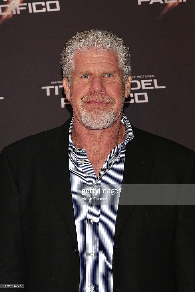 Actor <a gi-track='captionPersonalityLinkClicked' href=/galleries/search?phrase=Ron+Perlman&family=editorial&specificpeople=208159 ng-click='$event.stopPropagation()'>Ron Perlman</a> attends the 'Pacific Rim (Titanes Del Pacifico)' Mexico City premiere at Reforma 222 on July 1, 2013 in Mexico City, Mexico.