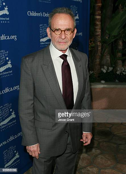 Actor Ron Rifkin arrives at the Children's Defense Fund 19th Annual Beat the Odds Awards at the Beverly Hills Hotel on December 3 2009 in Beverly...