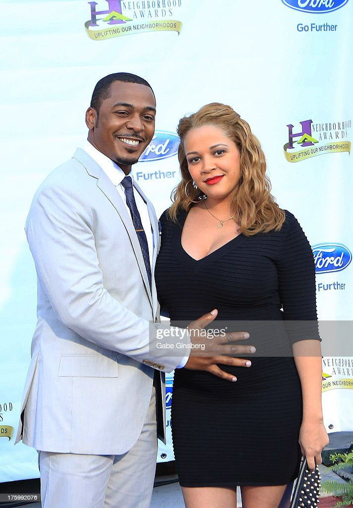 Actor RonReaco Lee (L) and his wife Sheana Freeman arrive at the 11th annual Ford Neighborhood Awards at the MGM Grand Garden Arena on August 10, 2013 in Las Vegas, Nevada.