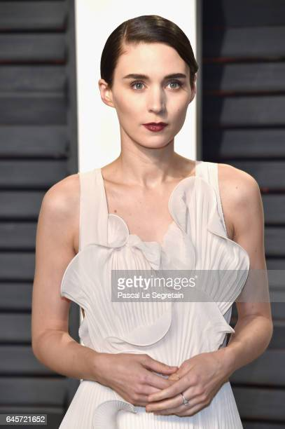 Actor Rooney Mara attends the 2017 Vanity Fair Oscar Party hosted by Graydon Carter at Wallis Annenberg Center for the Performing Arts on February 26...