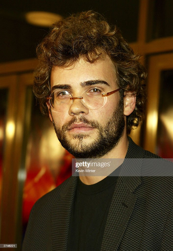 Actor Rossif Sutherland arrives at the premiere of 'Timeline' at the National Theatre on November 19, 2003 in Los Angeles, California.