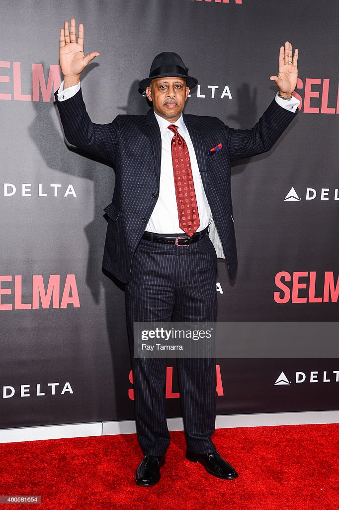 Actor Ruben SantiagoHudson enters the 'Selma' New York Premiere at the Ziegfeld Theater on December 14 2014 in New York City
