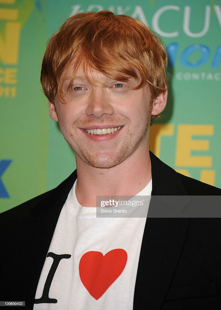 Actor <a gi-track='captionPersonalityLinkClicked' href=/galleries/search?phrase=Rupert+Grint&family=editorial&specificpeople=206605 ng-click='$event.stopPropagation()'>Rupert Grint</a> poses in the press room at the 2011 Teen Choice Awards held at the Gibson Amphitheatre on August 7, 2011 in Universal City, California.