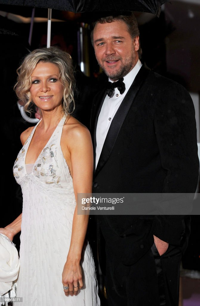 Actor Russell Crowe and Danielle Spencer attend the Opening Night Dinner at the Hotel Majestic during the 63rd Annual International Cannes Film Festival on May 12, 2010 in Cannes, France.