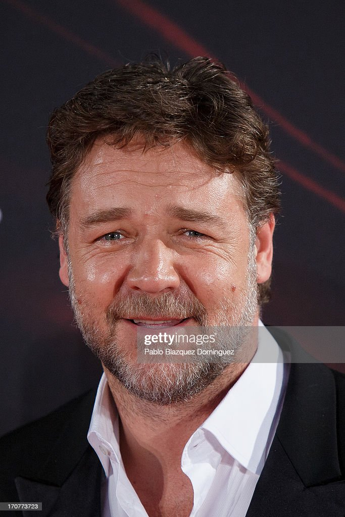 Actor <a gi-track='captionPersonalityLinkClicked' href=/galleries/search?phrase=Russell+Crowe&family=editorial&specificpeople=202609 ng-click='$event.stopPropagation()'>Russell Crowe</a> attends the 'Man of Steel' (El Hombre de Acero) premiere at the Capitol cinema on June 17, 2013 in Madrid, Spain.