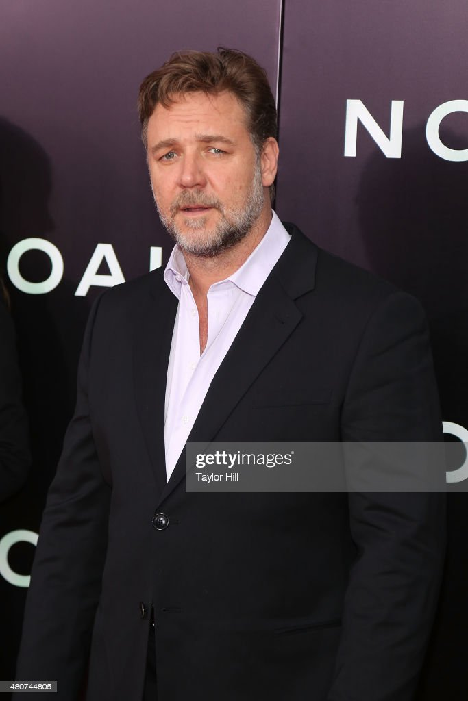 Actor <a gi-track='captionPersonalityLinkClicked' href=/galleries/search?phrase=Russell+Crowe&family=editorial&specificpeople=202609 ng-click='$event.stopPropagation()'>Russell Crowe</a> attends the 'Noah' premiere at Ziegfeld Theatre on March 26, 2014 in New York City.
