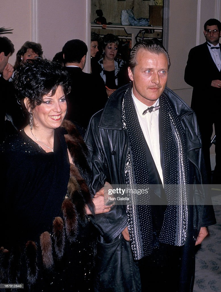 Actor Rutger Hauer and wife Ineke ten Kate attend the 45th Annual Golden Globe Awards on January 23, 1988 at the Beverly Hilton Hotel in Beverly Hills, California.