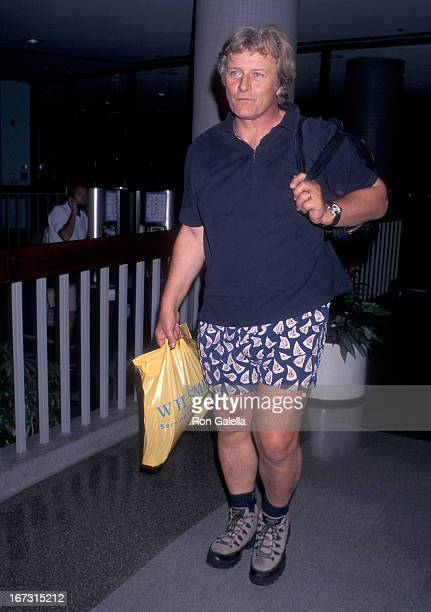 Actor Rutger Hauer arrives from New York City on August 12 1996 at the Los Angeles International Airport in Los Angeles California