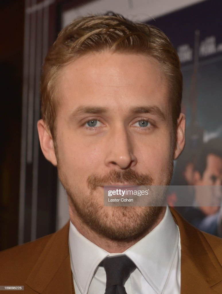 Actor <a gi-track='captionPersonalityLinkClicked' href=/galleries/search?phrase=Ryan+Gosling&family=editorial&specificpeople=214557 ng-click='$event.stopPropagation()'>Ryan Gosling</a> arrives at the 'Gangster Squad' premiere at Grauman's Chinese Theatre on January 7, 2013 in Hollywood, California.