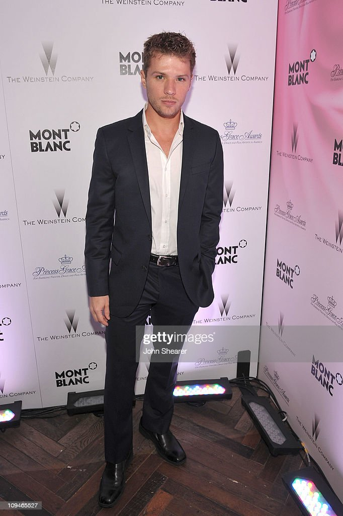 Actor <a gi-track='captionPersonalityLinkClicked' href=/galleries/search?phrase=Ryan+Phillippe&family=editorial&specificpeople=210855 ng-click='$event.stopPropagation()'>Ryan Phillippe</a> arrives at the Montblanc Cocktail Party co-hosted by Harvey and Bob Weinstein celebrating the Weinstein Company's Academy Award Nominees and the New Montblanc Charity Partnership with the Princess Grace Foundation-USA at Soho House on February 26, 2011 in West Hollywood, California.