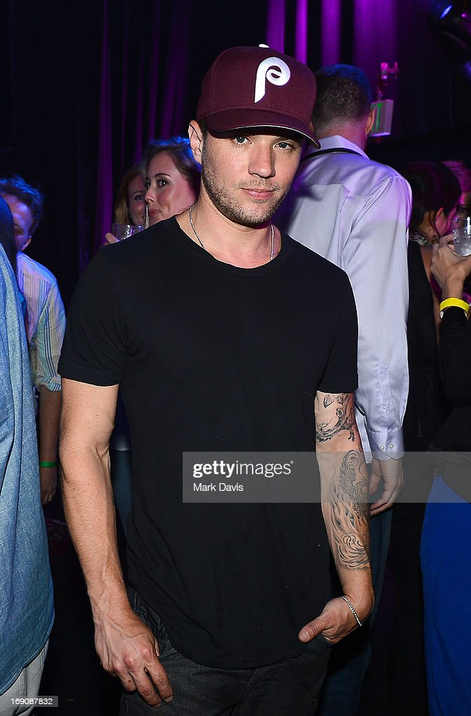 Actor <a gi-track='captionPersonalityLinkClicked' href=/galleries/search?phrase=Ryan+Phillippe&family=editorial&specificpeople=210855 ng-click='$event.stopPropagation()'>Ryan Phillippe</a> attends 'The Big Live Comedy Show' presented by YouTube Comedy Week held at Culver Studios on May 19, 2013 in Culver City, California.