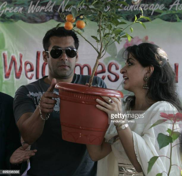 Actor Salman Khan along with Shaina NC at Green World 2010 an exhibition Nursery plants and flowers by BMC and I LOVE MUMBAI at Marine Drive in...