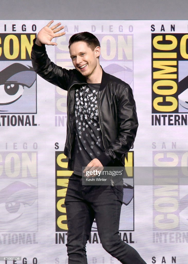 "Comic-Con International 2017 - ""Dirk Gently's Holistic Detective Agency"" BBC America Official Panel"