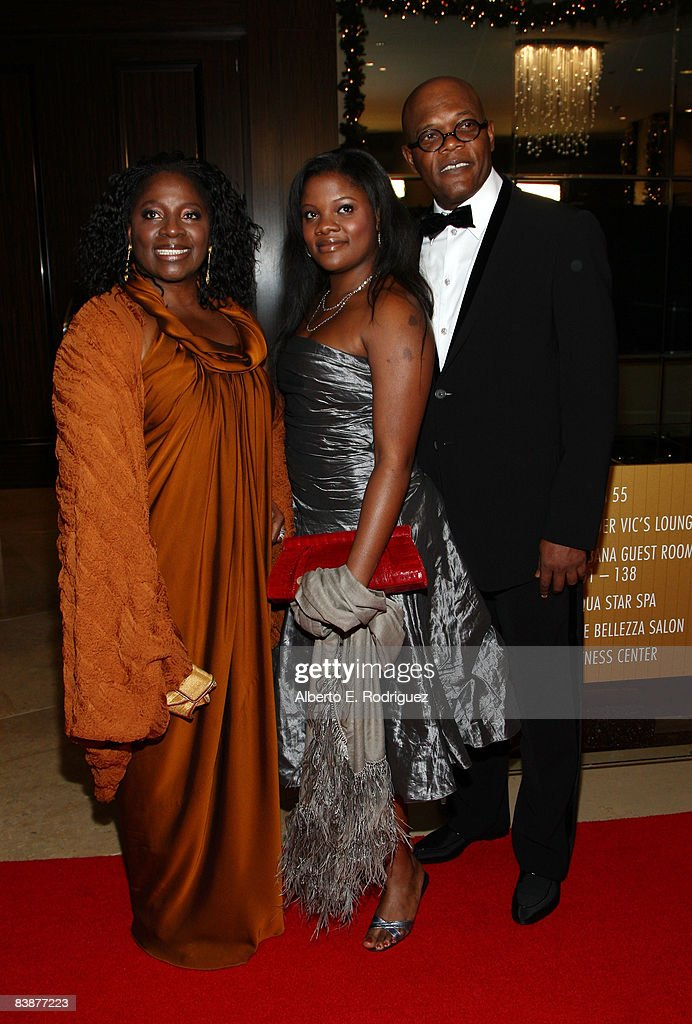Actor Samuel L. Jackson (far R), wife LaTanya Richardson (L) and daughter Zoe Jackson (C) arrive at the 23rd annual American Cinematheque show honoring Samuel L. Jackson held at Beverly Hilton Hotel on December 1, 2008 in Beverly Hills, California.