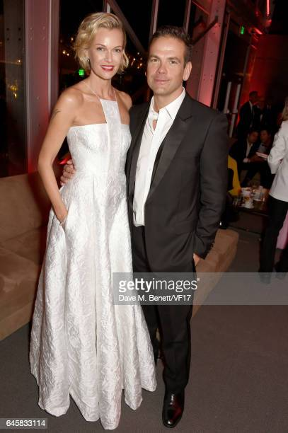 Actor Sarah Murdoch and 21st Century Fox CEO Lachlan Murdoch attend the 2017 Vanity Fair Oscar Party hosted by Graydon Carter at Wallis Annenberg...