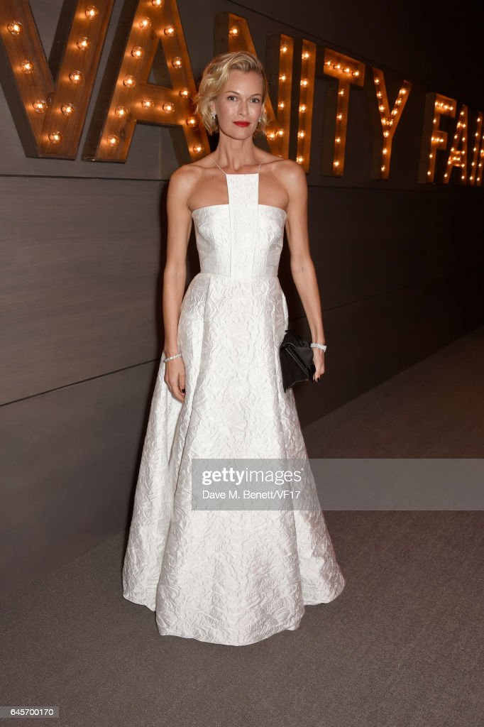 Actor Sarah Murdoch attends the 2017 Vanity Fair Oscar Party hosted by Graydon Carter at Wallis Annenberg Center for the Performing Arts on February 26, 2017 in Beverly Hills, California.