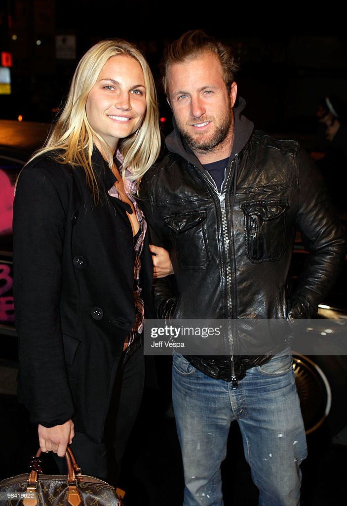 Actor <a gi-track='captionPersonalityLinkClicked' href=/galleries/search?phrase=Scott+Caan+-+Actor&family=editorial&specificpeople=227280 ng-click='$event.stopPropagation()'>Scott Caan</a> and guest arrive at Banksy's 'Exit Through The Gift Shop' premiere at Los Angeles Theatre on April 12, 2010 in Los Angeles, California.