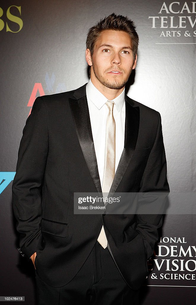 Actor Scott Clifton arrives at the 37th Annual Daytime Entertainment Emmy Awards held at the Las Vegas Hilton on June 27, 2010 in Las Vegas, Nevada.