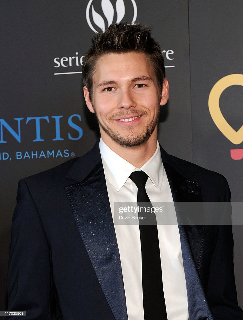 Actor Scott Clifton arrives at the 38th Annual Daytime Entertainment Emmy Awards held at the Las Vegas Hilton on June 19, 2011 in Las Vegas, Nevada.
