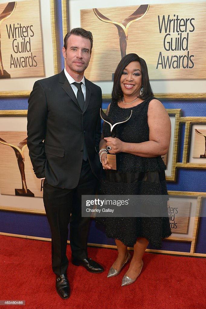 Actor Scott Foley and honoree Shonda Rhimes pose with the WGA Lifetime Achievement Award during the 2015 Writers Guild Awards LA Ceremony at the...