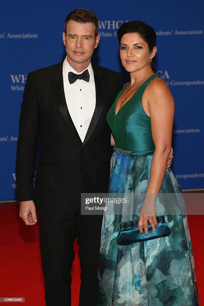 Actor Scott Foley and Marika Dominczyk attend the 102nd White House Correspondents' Association Dinner on April 30, 2016 in Washington, DC.