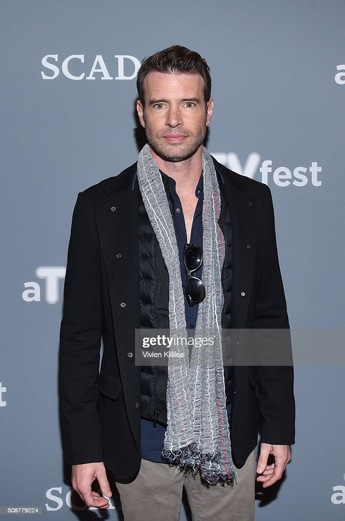 Actor <a gi-track='captionPersonalityLinkClicked' href=/galleries/search?phrase=Scott+Foley&family=editorial&specificpeople=615795 ng-click='$event.stopPropagation()'>Scott Foley</a> attends 'Behind The Lens: ShondaLand' panel during aTVfest 2016 presented by SCAD on February 6, 2016 in Atlanta, Georgia.