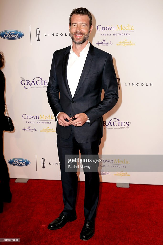 Actor <a gi-track='captionPersonalityLinkClicked' href=/galleries/search?phrase=Scott+Foley&family=editorial&specificpeople=615795 ng-click='$event.stopPropagation()'>Scott Foley</a> attends the 41st Annual Gracie Awards at Regent Beverly Wilshire Hotel on May 24, 2016 in Beverly Hills, California.
