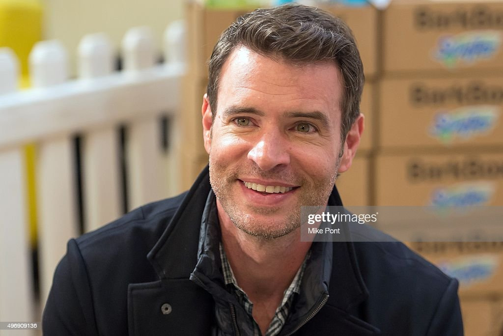 Actor Scott Foley attends the Holiday Pet Adoption Event at 101 Wooster Street on November 12 2015 in New York City