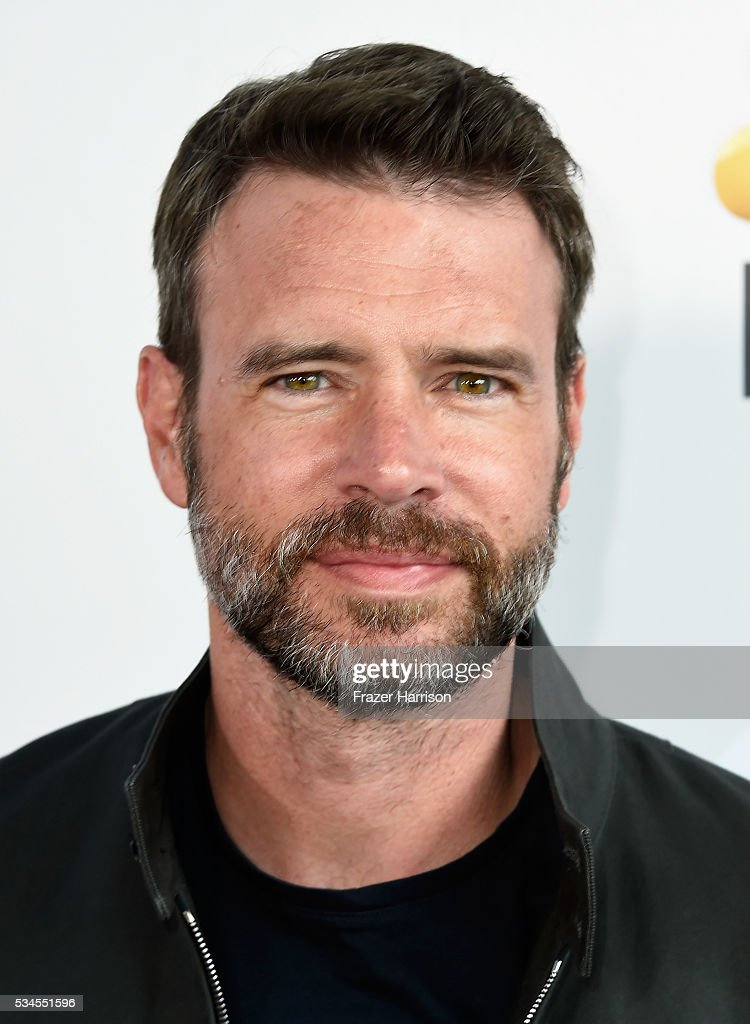 Actor <a gi-track='captionPersonalityLinkClicked' href=/galleries/search?phrase=Scott+Foley&family=editorial&specificpeople=615795 ng-click='$event.stopPropagation()'>Scott Foley</a> attends The Red Nose Day Special on NBC at Alfred Hitchcock Theater at Universal Studios on May 26, 2016 in Universal City, California.