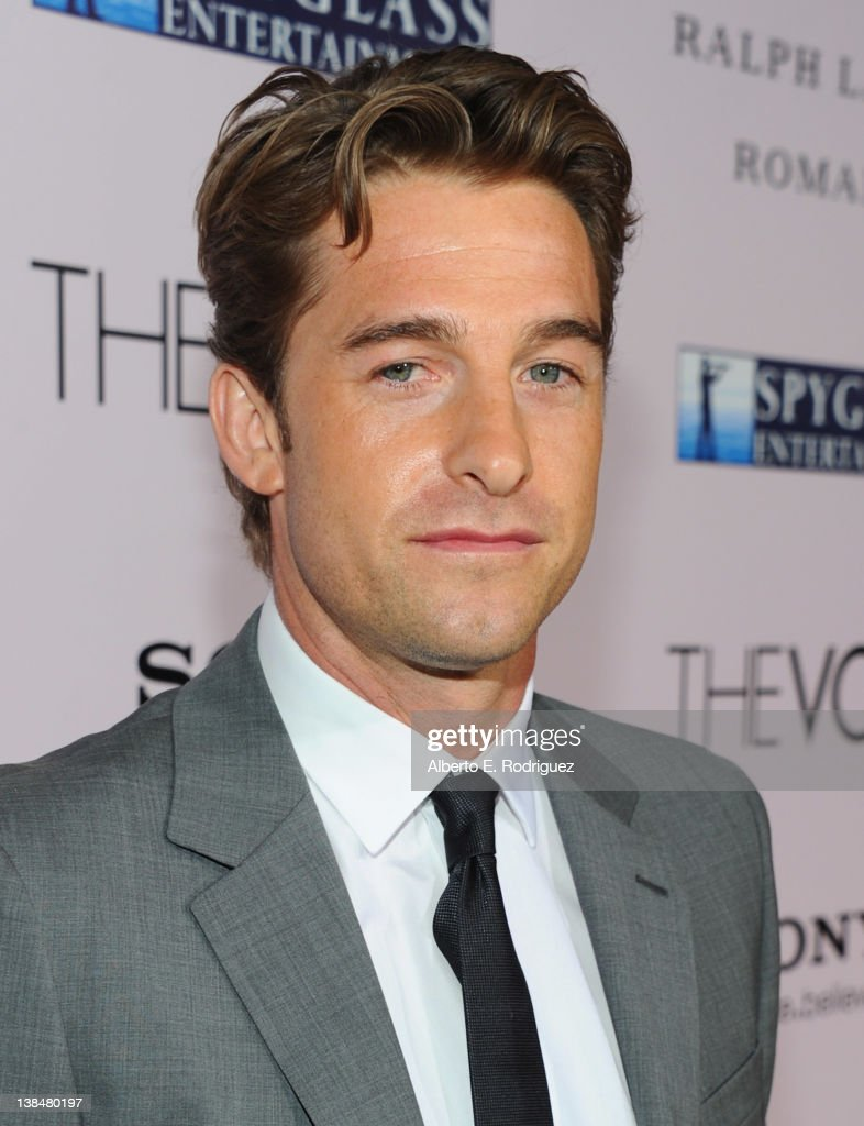 Actor <a gi-track='captionPersonalityLinkClicked' href=/galleries/search?phrase=Scott+Speedman&family=editorial&specificpeople=211282 ng-click='$event.stopPropagation()'>Scott Speedman</a> attends the premiere of Sony Pictures' 'The Vow' at Grauman's Chinese Theatre on February 6, 2012 in Hollywood, California.