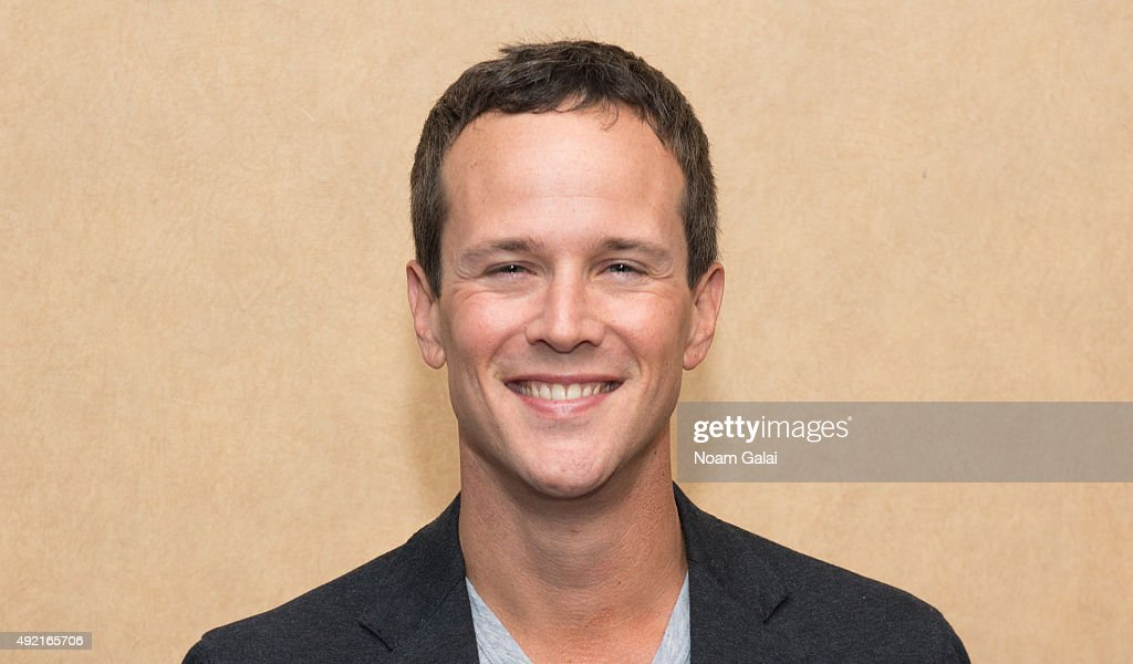 Actor Scott Weinger attends The MOMS Mamarazzi viewing of Disney's 'Aladdin' Diamond Edition at Chelsea Bow Tie Cinemas on October 10, 2015 in New York City.