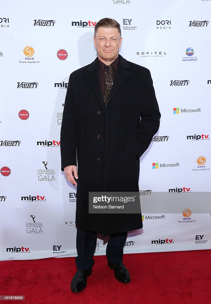 Actor <a gi-track='captionPersonalityLinkClicked' href=/galleries/search?phrase=Sean+Bean&family=editorial&specificpeople=160620 ng-click='$event.stopPropagation()'>Sean Bean</a> attends the 41st International Emmy Awards at the Hilton New York on November 25, 2013 in New York City.