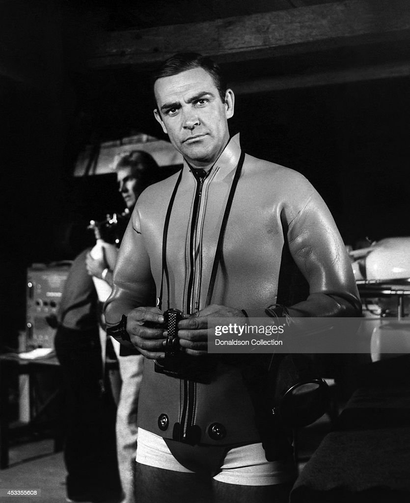 Actor <a gi-track='captionPersonalityLinkClicked' href=/galleries/search?phrase=Sean+Connery&family=editorial&specificpeople=201589 ng-click='$event.stopPropagation()'>Sean Connery</a> as James Bond in a scene from the United Artists film 'Thunderball' in 1965