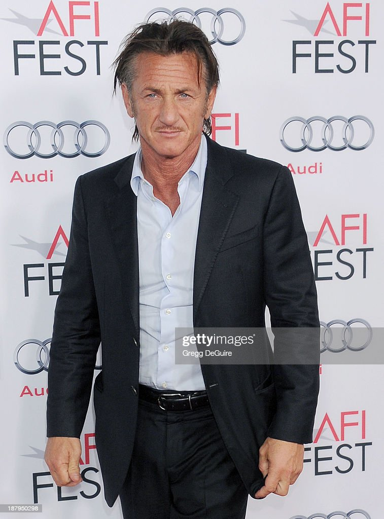 Actor <a gi-track='captionPersonalityLinkClicked' href=/galleries/search?phrase=Sean+Penn&family=editorial&specificpeople=202979 ng-click='$event.stopPropagation()'>Sean Penn</a> arrives at AFI FEST 2013 'The Secret Life Of Walter Mitty' premiere at TCL Chinese Theatre on November 13, 2013 in Hollywood, California.