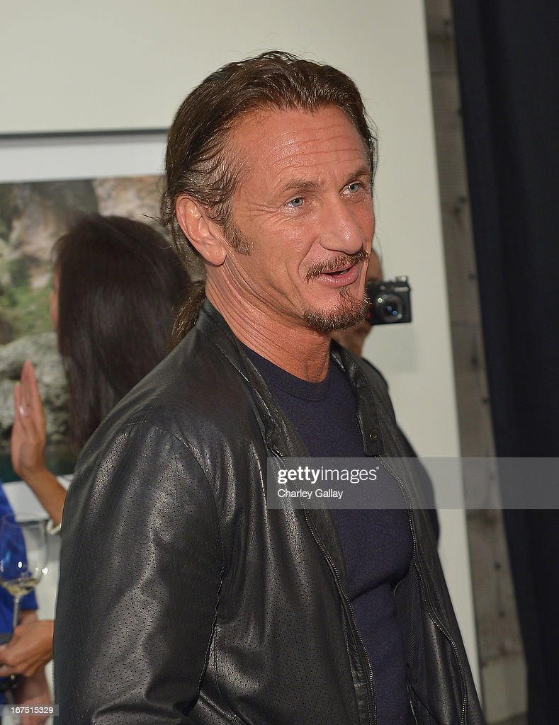Actor <a gi-track='captionPersonalityLinkClicked' href=/galleries/search?phrase=Sean+Penn&family=editorial&specificpeople=202979 ng-click='$event.stopPropagation()'>Sean Penn</a> attends Giorgio Armani Paris Photo LA Acqua #3 at Paramount Studios on April 25, 2013 in Los Angeles, California.