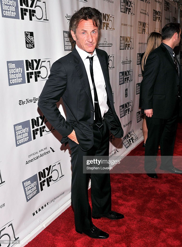 Actor <a gi-track='captionPersonalityLinkClicked' href=/galleries/search?phrase=Sean+Penn&family=editorial&specificpeople=202979 ng-click='$event.stopPropagation()'>Sean Penn</a> attends the Centerpiece Gala Presentation Of 'The Secret Life Of Walter Mitty' during the 51st New York Film Festival at Alice Tully Hall at Lincoln Center on October 5, 2013 in New York City.