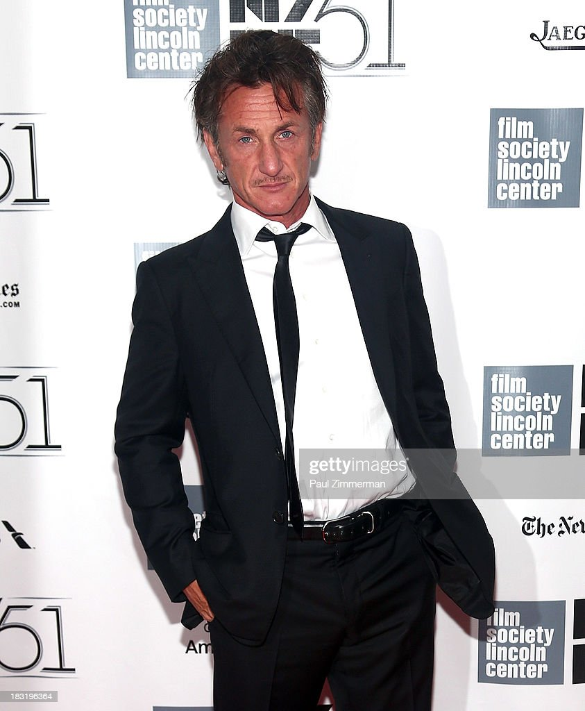 Actor <a gi-track='captionPersonalityLinkClicked' href=/galleries/search?phrase=Sean+Penn&family=editorial&specificpeople=202979 ng-click='$event.stopPropagation()'>Sean Penn</a> attends the Centerpiece Gala Presentation Of 'The Secret Life Of Walter Mitty' premiere during the 51st New York Film Festival at Alice Tully Hall at Lincoln Center on October 5, 2013 in New York City.
