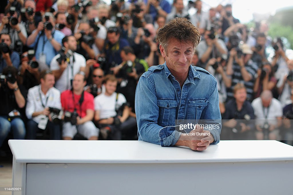Actor <a gi-track='captionPersonalityLinkClicked' href=/galleries/search?phrase=Sean+Penn&family=editorial&specificpeople=202979 ng-click='$event.stopPropagation()'>Sean Penn</a> attends the 'This Must Be The Place' photocall during the 64th Annual Cannes Film Festival at Palais des Festivals on May 20, 2011 in Cannes, France.