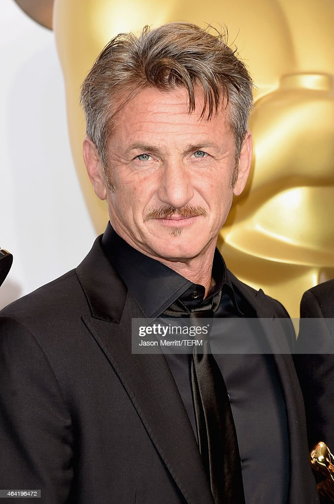 Actor <a gi-track='captionPersonalityLinkClicked' href=/galleries/search?phrase=Sean+Penn&family=editorial&specificpeople=202979 ng-click='$event.stopPropagation()'>Sean Penn</a> poses in the press room during the 87th Annual Academy Awards at Loews Hollywood Hotel on February 22, 2015 in Hollywood, California.