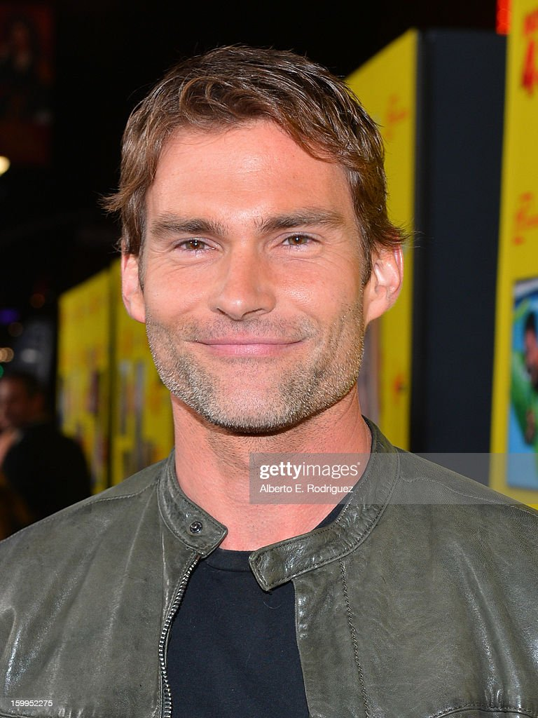 Actor <a gi-track='captionPersonalityLinkClicked' href=/galleries/search?phrase=Seann+William+Scott&family=editorial&specificpeople=228377 ng-click='$event.stopPropagation()'>Seann William Scott</a> attends Relativity Media's 'Movie 43' Los Angeles Premiere held at the TCL Chinese Theatre on January 23, 2013 in Hollywood, California.