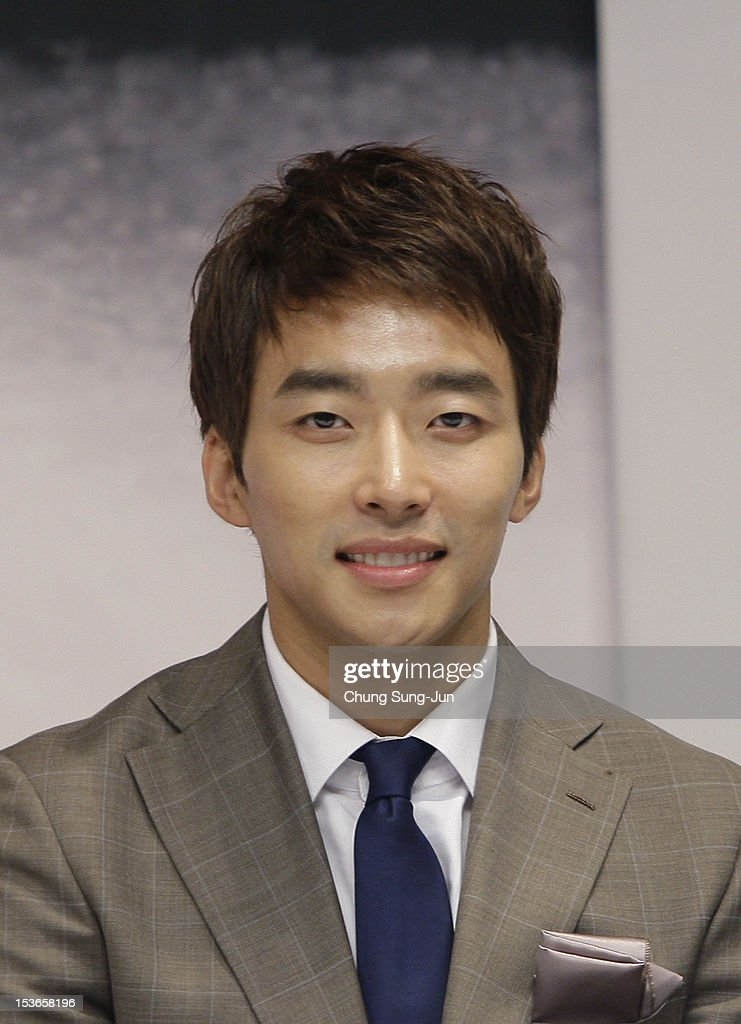 Actor Seo Gun-Woo attends the 'Doctor' gala presentation and press conference at the Shinsegae Centumcity cultural hall during the 17th Busan International Film Festival (BIFF) at the Busan Cinema Center on October 8, 2012 in Busan, South Korea. The biggest film festival in Asia showcases 304 films from 75 countries and runs from October 04 until October 13..
