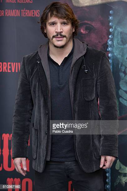 Actor Sergio PerisMencheta attends the 'El Mal Que Hacen Los Hombres' photocall at the Palafox Cinema on February 15 2016 in Madrid Spain