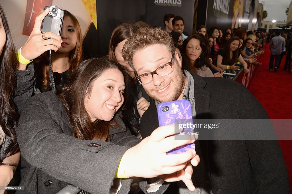 Actor <a gi-track='captionPersonalityLinkClicked' href=/galleries/search?phrase=Seth+Rogen&family=editorial&specificpeople=3733304 ng-click='$event.stopPropagation()'>Seth Rogen</a> attends the 2013 MTV Movie Awards at Sony Pictures Studios on April 14, 2013 in Culver City, California.