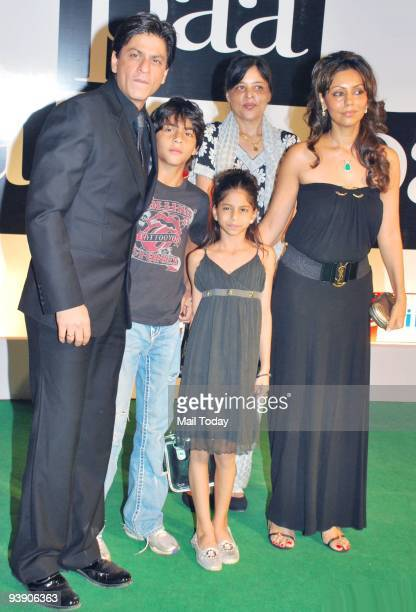 Actor Shah Rukh Khan with his kids sister and wife Gauri at the premiere of the film �Paa� in Mumbai on Thursday December 3 2009