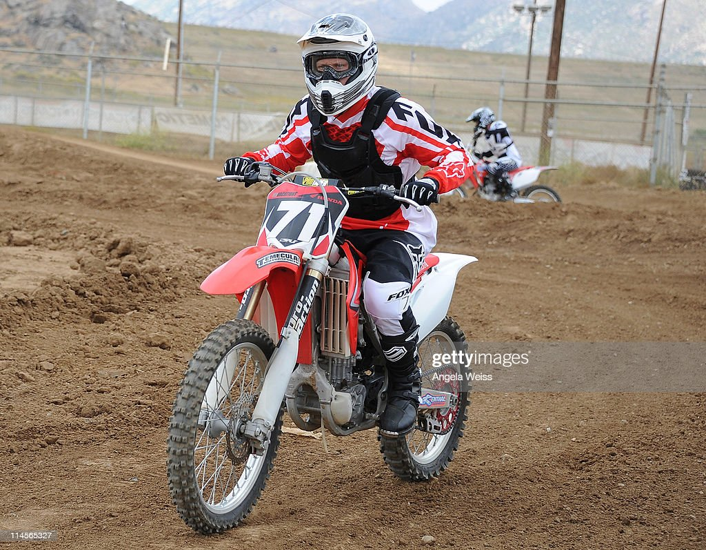 Actor <a gi-track='captionPersonalityLinkClicked' href=/galleries/search?phrase=Shaun+Sipos&family=editorial&specificpeople=660503 ng-click='$event.stopPropagation()'>Shaun Sipos</a> attends Oakley's Learn To Ride Motocross event at Starwest MX Track on May 23, 2011 in Lake Perris, California.
