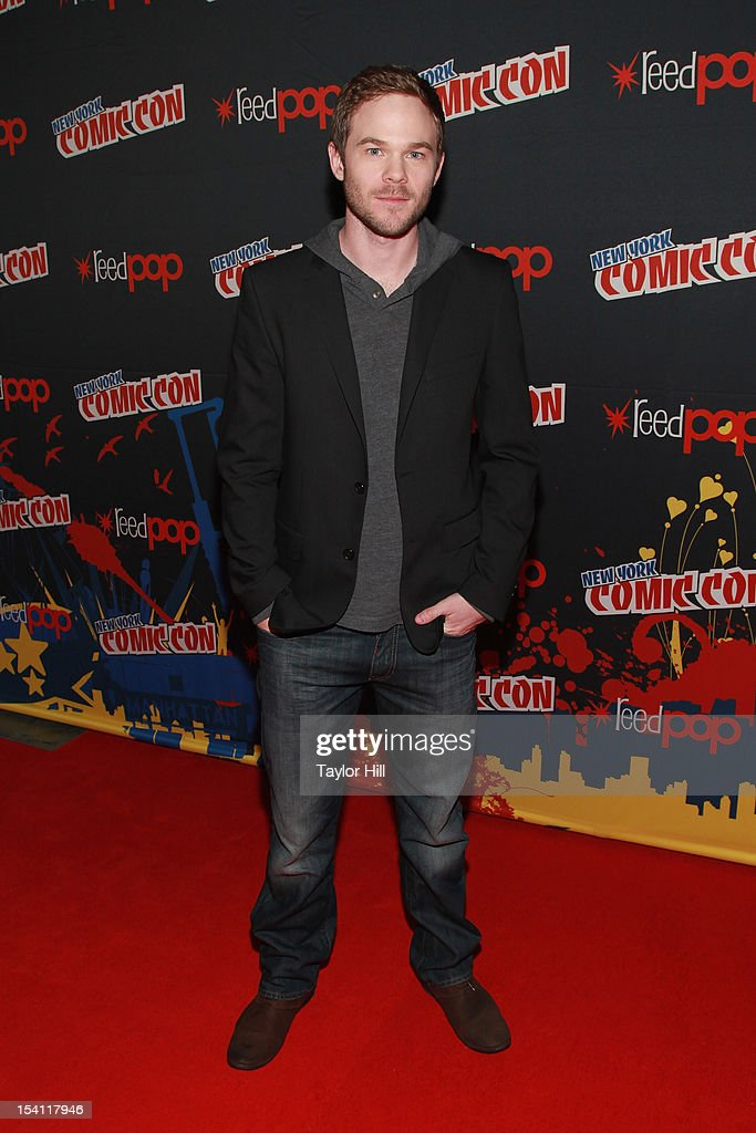 Actor <a gi-track='captionPersonalityLinkClicked' href=/galleries/search?phrase=Shawn+Ashmore&family=editorial&specificpeople=229029 ng-click='$event.stopPropagation()'>Shawn Ashmore</a> attends the 2012 New York Comic Con at the Javits Center on October 14, 2012 in New York City.