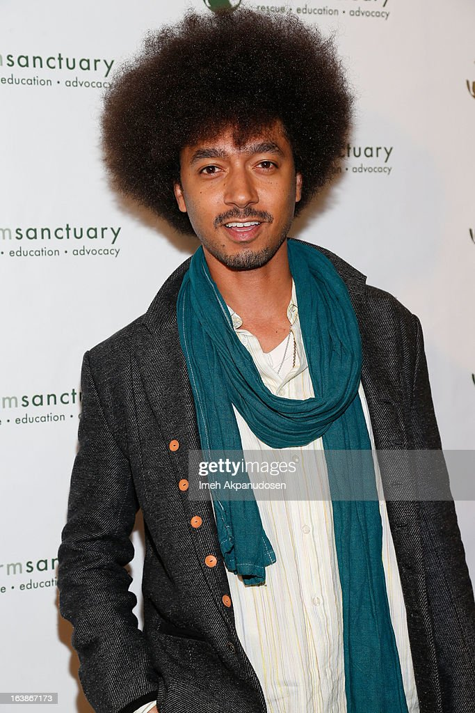 Actor Shawn Carter Peterson attends the Fun For Animals Celebrity Poker Tournament & Cocktail Party at Petersen Automotive Museum on March 16, 2013 in Los Angeles, California.